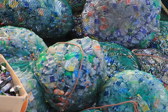 montaña de plástico